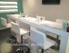 Modern nail bar manicure table salon furniture for nail design from China
