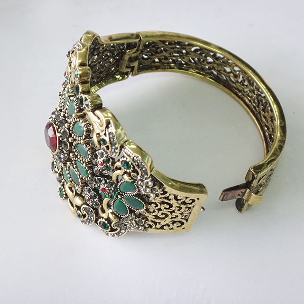 Whoelsale gold jewelry bracelets costume jewelry manufacturer