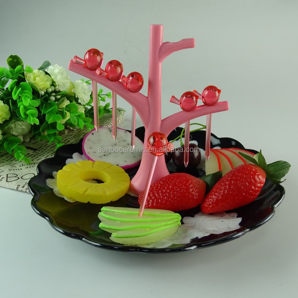 Black and white glazed wave ceramic fruit plate with plactis stick wholesale cheap price