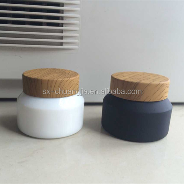 cosmetic 30g white cream frosted glass jar with plastic wooden lids