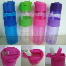 700ml plastic drink bottle with silicone band and pop up straw