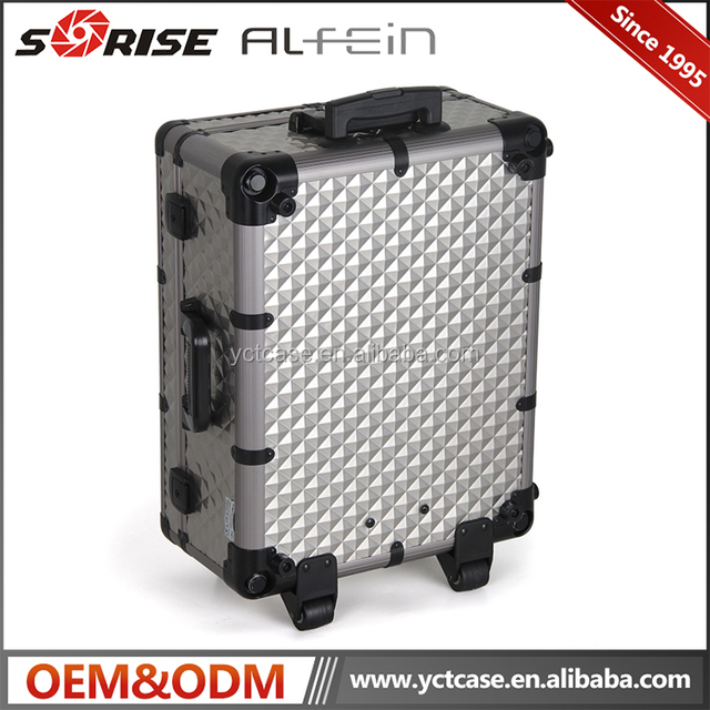 Professional new style silver trolley cosmetic train case with mirror and light