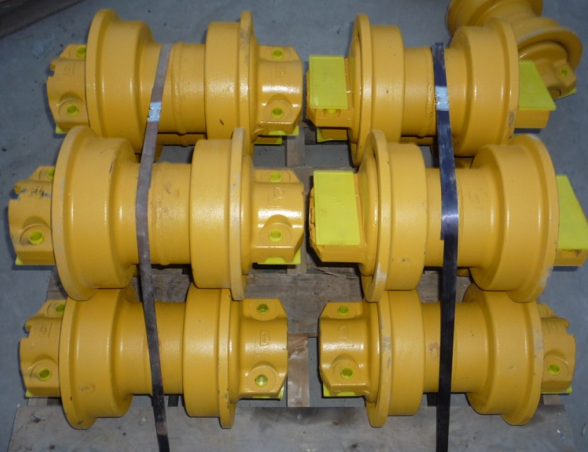 good quality shantui bulldozer track roller wheel SD16 16Y-40-09000