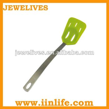 Heat-resisting silicone shovel with holes