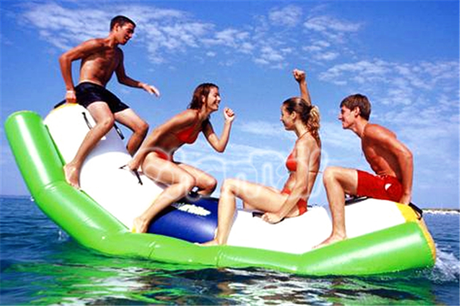 wholesale price Inflatable water park /water boats game