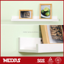 photo frame display wooden shelf design