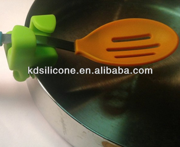 Bright Colors Silicone Utensil Clip,silicone spoon rest,Keep Utensil Handy for Stirring, Keep Stove and Counters Free of Drips
