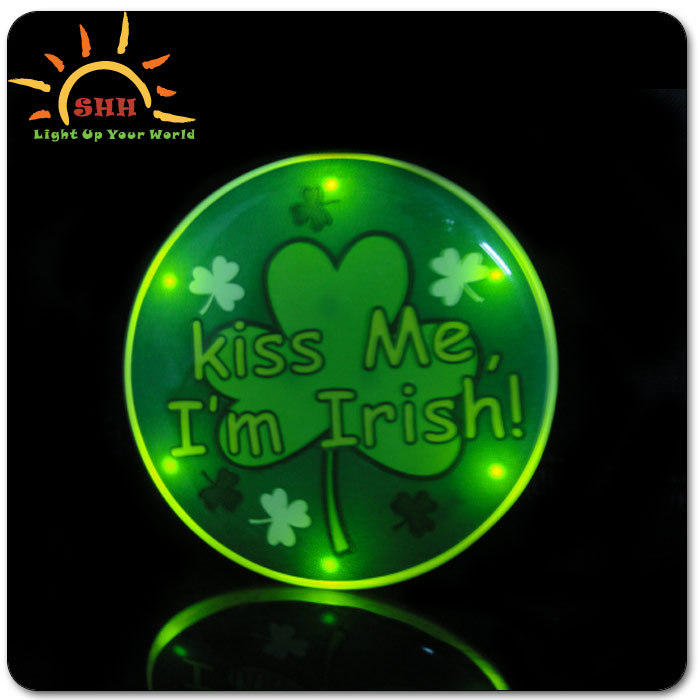 LED flashing badge with high quality,decorative plsatic pin,glow badge for clothes