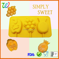 LFGB & FDA BPA free novelty silicone 3D cartoon ice pop molds