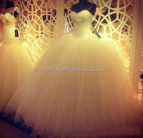 Hot Selling New Sweetheart Tulle Puffy Bridal Gowns Floor Length Luxury Crystal Beaded Ball Gown Wedding Dresses 2016