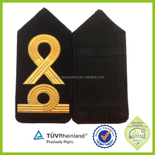 Airline pilots uniform insignia epaulettes captain