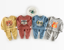 Wholesale good quality baby infant clothing set fleeces and pants two piece per set