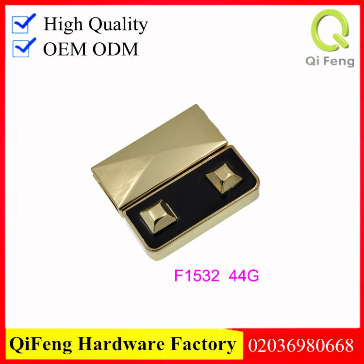 F1532 Factory wholesale shiny nickel color with black epoxy push lock for handbags