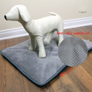 Thermal Heating Mat Pads for Cats, Dogs, Puppies and other Small House Pets by Pet Magasin