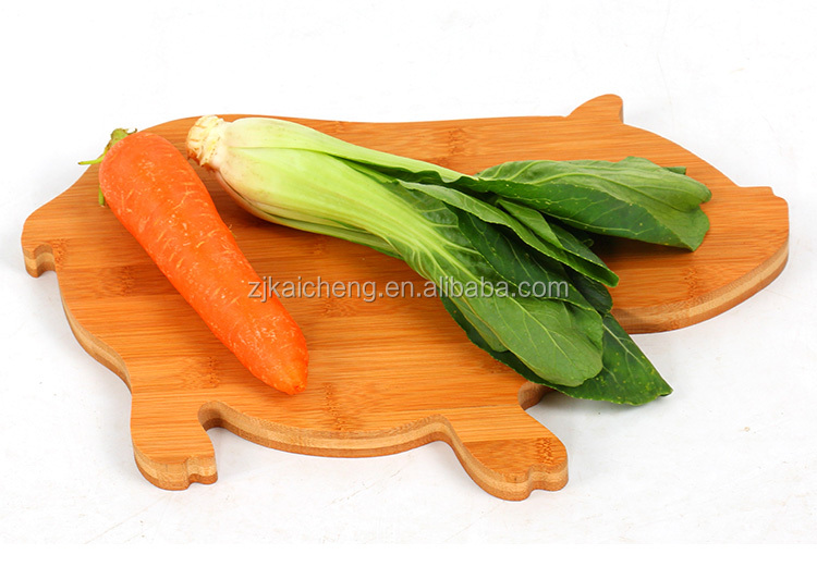 Lowest China Factory Price Bamboo Pig Animal shaped Meat Bread Cutting Board