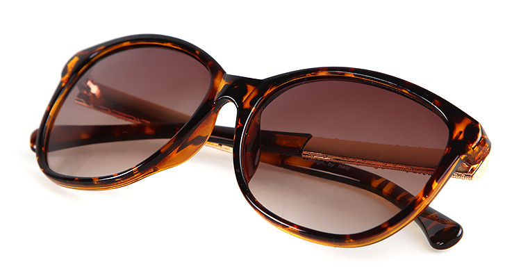 Made In China Custom Supper Quality Wholesale Designer Replica Sunglasses Fashion Ce Uv400 Charm Futuristic Sunglasses