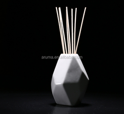Hot Sale Geometry Design 200ml Ceramic Bottle Reed Rattan diffuser White and Black
