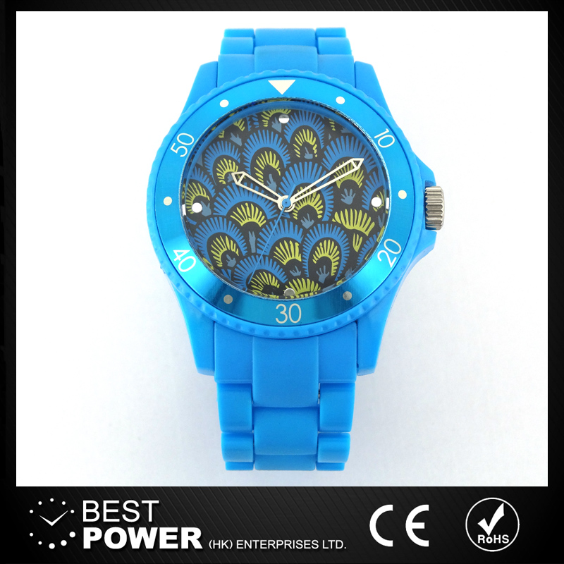 popular fashion plastic watch from China factory