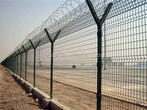 2015 China fence top 1 airport mesh fence on sale