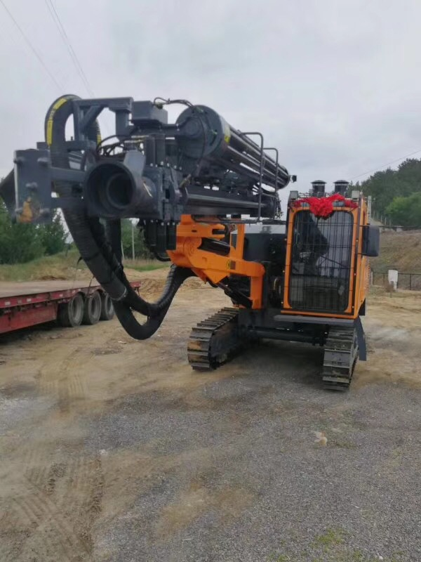 High effencicy ZT10 mine blasting hole mobile DTH drilling rig rotary well drilling rig machine