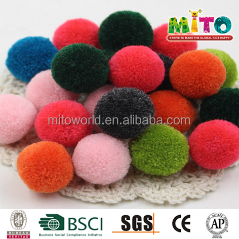 Polyester bulk pompon for party supply
