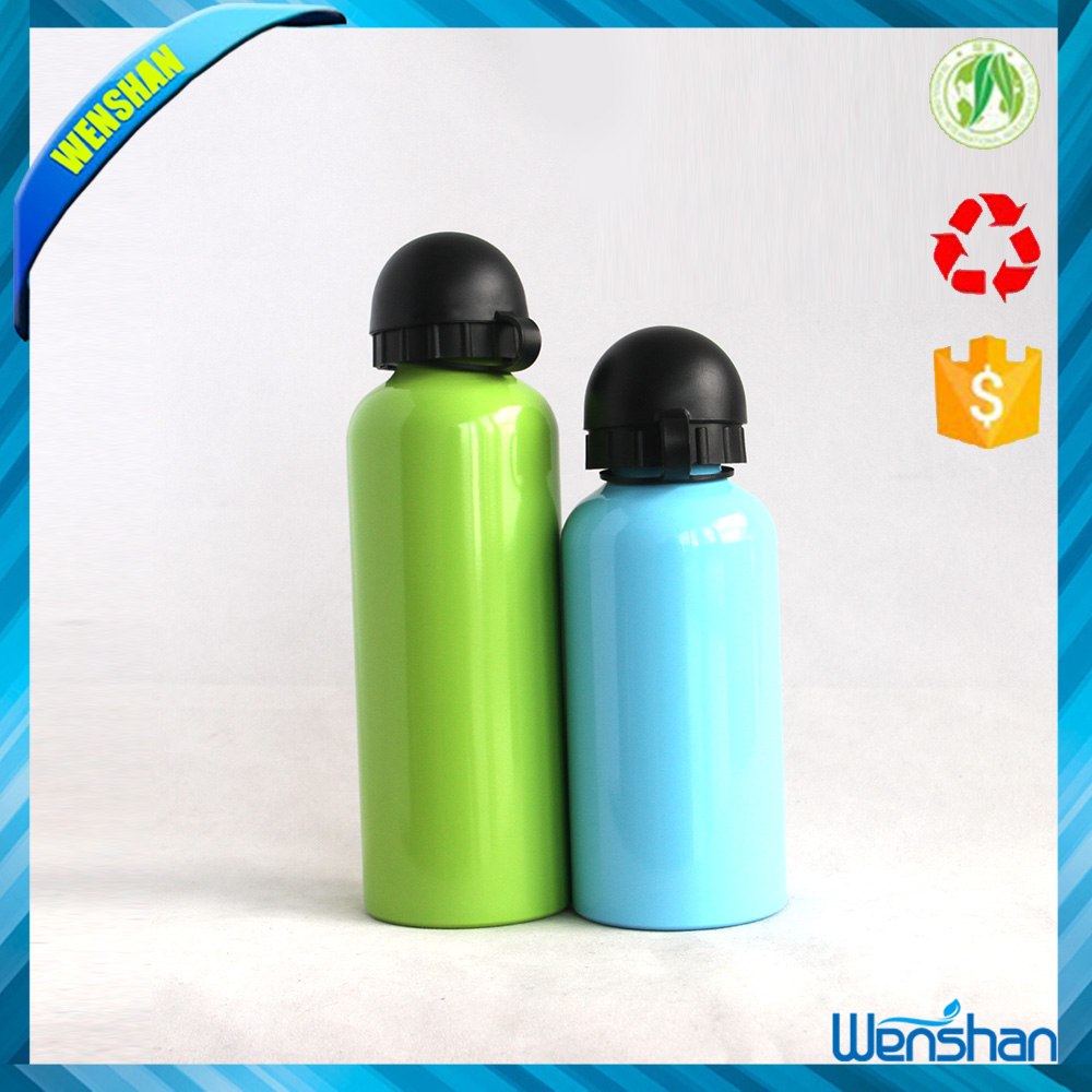 Aluminum water bottle with straw lid