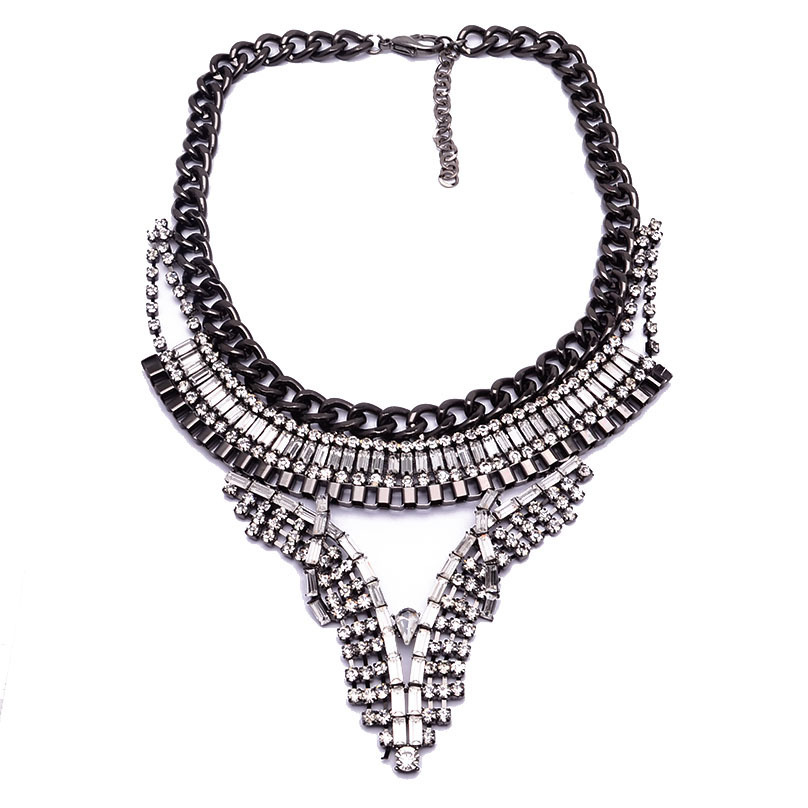 Wholesale latest design high quality women fashion necklace, hot selling fashionable necklace with crystal