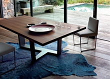 New design dining table three metal legs solid wood table top hot sale furniture design