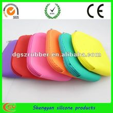 ShengYan silicone cosmetic bag with zipper design