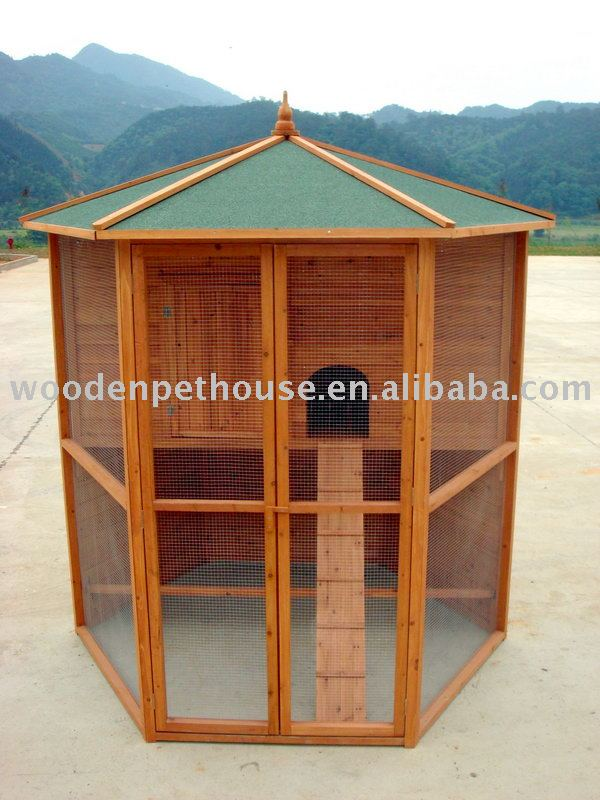 Large Chicken House With Run