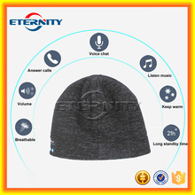 Stripe knitted beanie cap with bluetooth