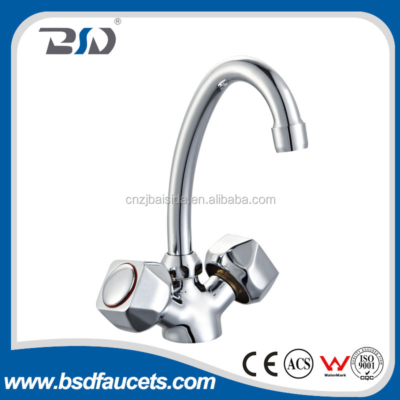2016 Popular taizhou faucet manufactuer Dual Handle brass Antique basin faucet exported to middle east orient