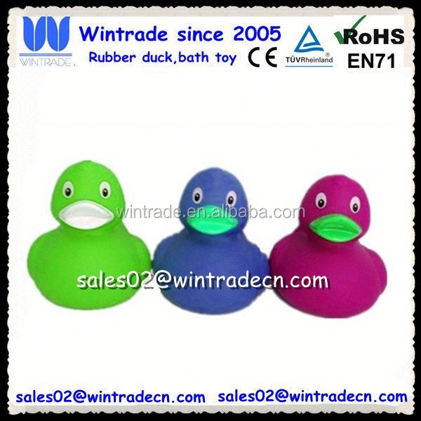 Pvc duck toy made in china factory