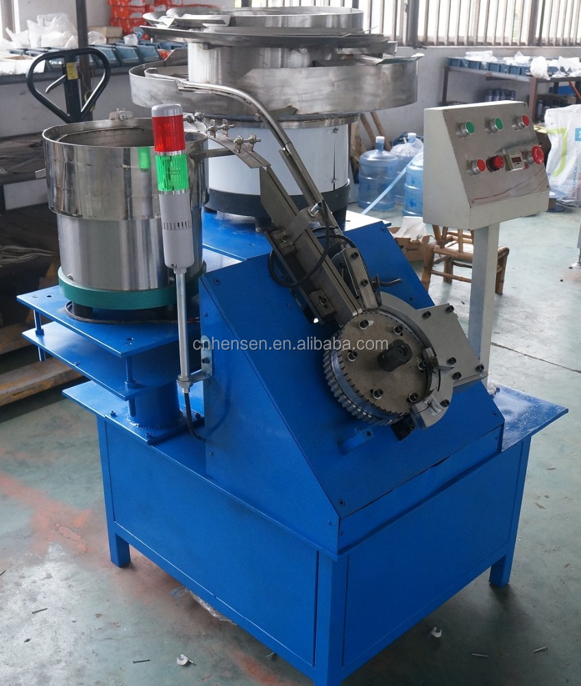 Nail inserting machine for cable clip, cable clip assembly machine
