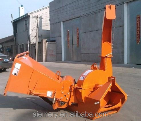 Large volume and capacity wood chipper from pto driven