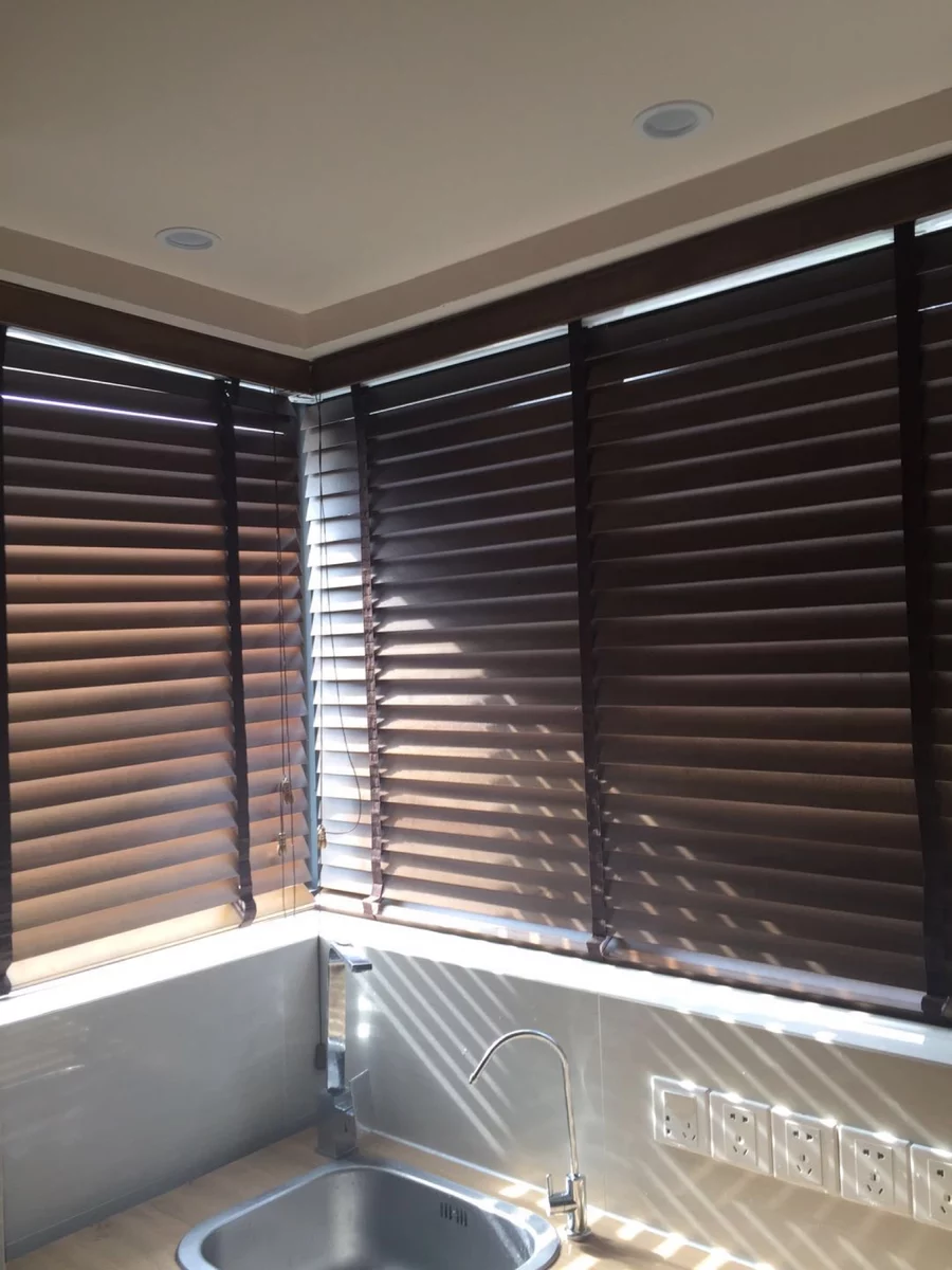 Haoyan Elegant Pvc Roll Up Window Basswood Faux Wooden Blind Wood Shutters