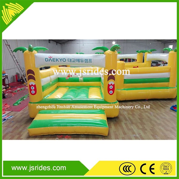 Funny inflatable bouncy castle,amusement park type inflatable castle with whale cartoon
