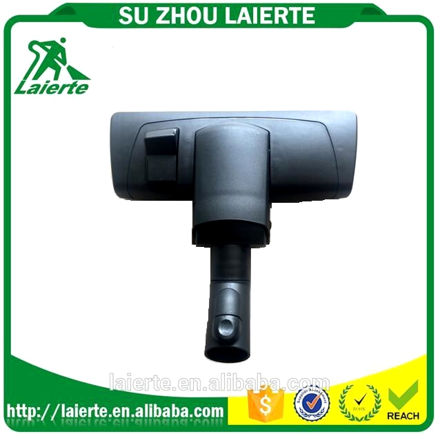 Vacuum cleaner floor nozzle with big wheel