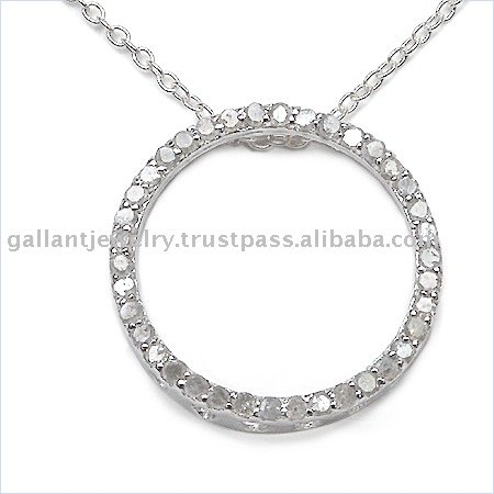 Radiantly sparkling with round diamonds 925 sterling silver pendant crafted in tastefully stylish way!!
