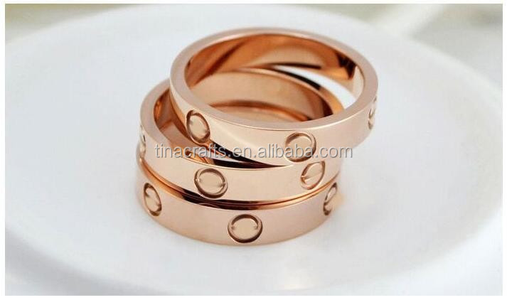 2017 new stainless steel ring with round engraved pattern