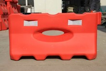 Highly visible plastic water filled road barriers urbanite barricades / barriers