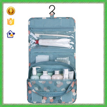 Yiwu Multi-functional hanging toiletry travel bag organizer for travel use cosmetic pouch bag toiletries pouch bag