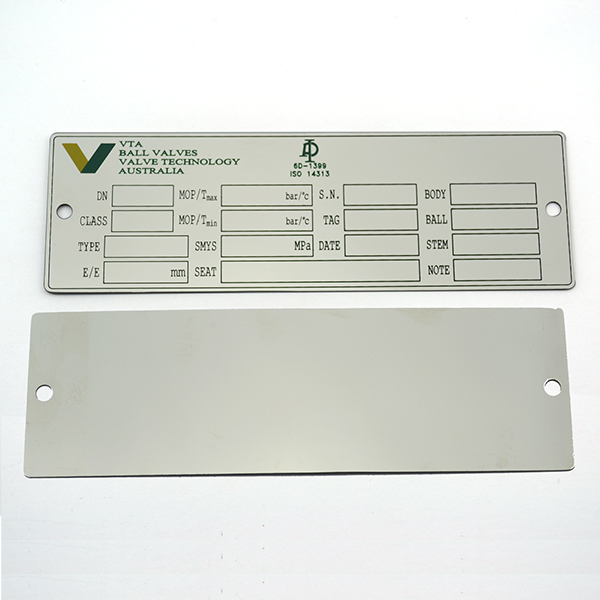 Rvs custom metalen apparatuur labels en tags met schroefgaten