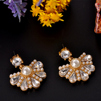 Cheap Fashion Flower Design Pearl Stud Earring Party Gift