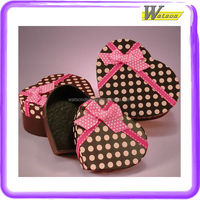 new style heart shape chocolate with black and white polka dot pattern and red ribbon christmas gift packing box