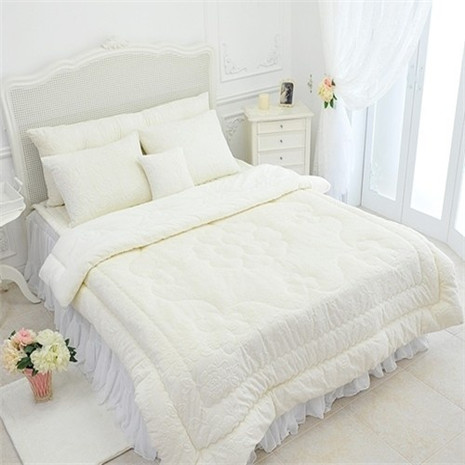 China Supplier hotel towel / china made towel bed sheet set/China made 5 star hotel spanish style bedding