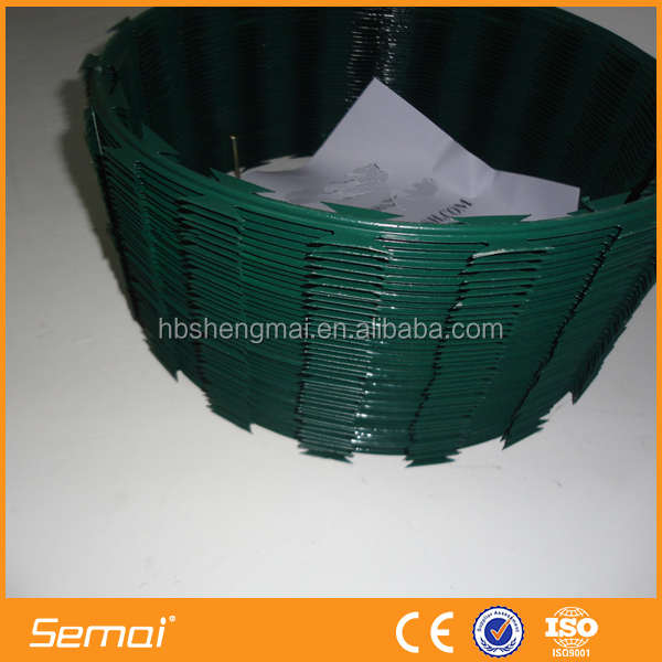 China Supplier BTO 22 PVC Coated Razor Barbed Wire for prison