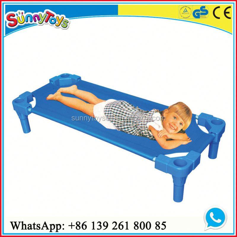 Ni os muebles de cama juegos de dormitorio kindergarten for Juego de dormitorio para ninos