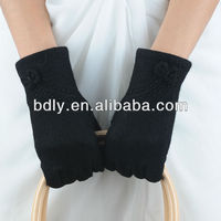 pretty ladies wool hand gloves with bowtie and bead series