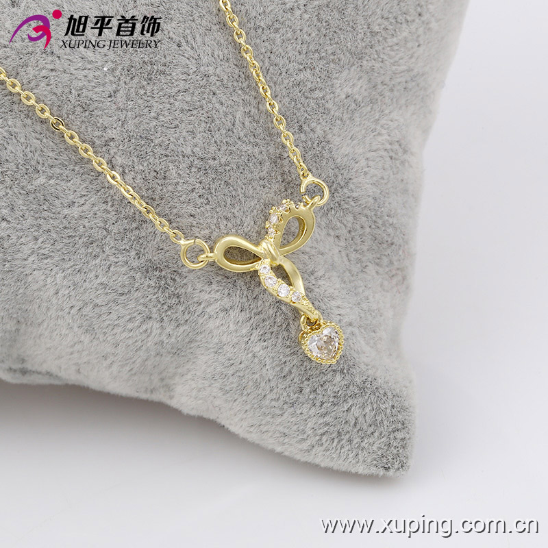Gold Plated Crystal Pendant Short Chain Necklaces Accessory For Women